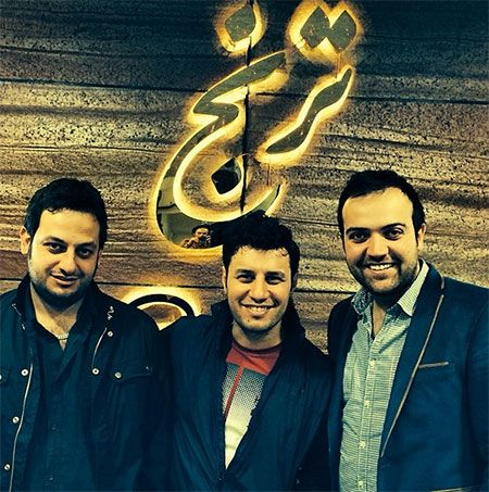 جواد عزتی که متولد 1360 در تهران میباشد دانش آموخته رشته تئاتر از هنرستان میباشد و در رشته بازیگری در سینما تلویزیون و تئاتر مشغول فعالیت می باشد.