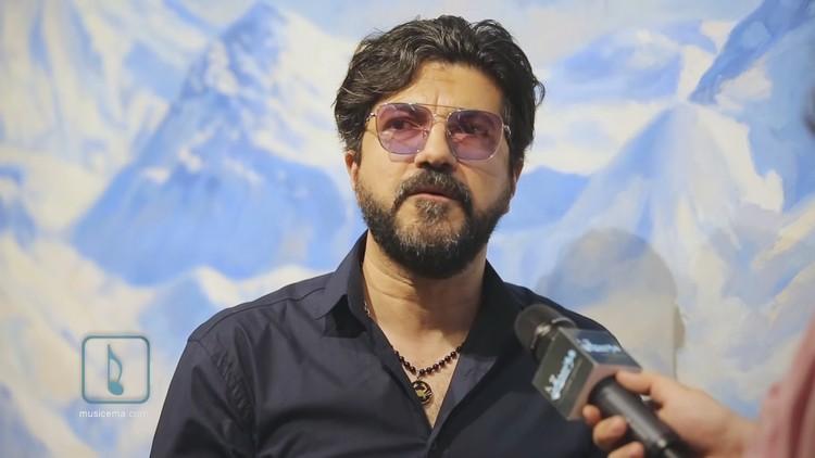 امیر ارژنگ کاظمی که با نام هنری سامان یک خواننده لس آنجلسی است که در شهر تبریز در سال ۱۳۴۶ به دنیا آمد. طبق اعلام رئیس پلیس تهران بزرگ این خواننده لس آنجلسی شب گذشته در حین اجرای کنسرت در منطقهای در شمال تهران بازداشت شد.