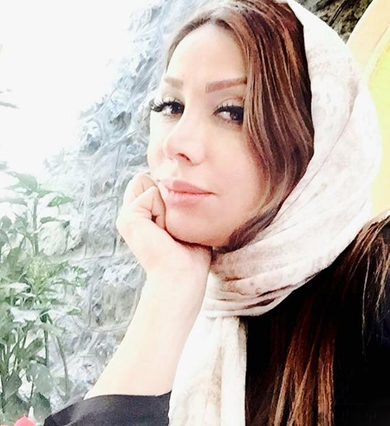 اسپاکو یوسفی همسر محسن چاوشی خواننده معروف کشور می باشد که در زمینه ترانه های پاپ فعالیت می کند و اخیراً مطالبی در خصوص جدایی این خواننده از همسرش در فضای مجازی منتشر شده است.