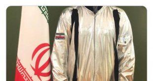 امروز وزیر ارتباطات آذری جهرمی در صفحه شخصی توییتر خود از یک عکس که متعلق به لباس فضانوردان ایرانی به گفته او می باشد رونمایی کرد. او این توییت را با //هشتگ آینده روشن// و با نام لباس فضانوردان ایرانی در صفحه توییتر خود منتشر نمود اما بعد از گذشت چند ساعت واکنش ها در فضای مجازی و صفحه توییتر نسبت به این عکس بالا گرفت و بعضی از کاربران با انتشار بعضی از عکس ها که مربوط به یک لباس فضایی مخصوص کودکان که در کارناوال ها استفاده می شود و قابل خریداری از برخی سایت هاست،عکس لباس منتشر شده در صفحه توییتر آقای جهرمی را دارای شباهت زیادی به عکس مذکور دانستند.