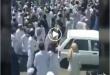اهل سنت چابهار امروز در اعتراض به تعطیلی نماز جمعه در این شهر قفل در مسجد چابهار را شکستند و وارد این مسجد شدند