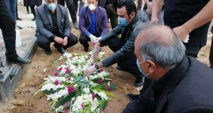 حضور و شرکت کردن کیانوش جهانپور سخنگوی وزارت بهداشت و درمان در مراسم خاکسپاری دخترعمویش باعث ایجاد واکنشهای بسیاری در فضای مجازی شد