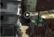 گویا دو پزشک برای انجام تست کرونا به یک محله در پایین شهر می روند که با حمله مردم با چوب و سنگ مواجه می شوند