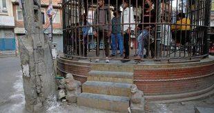 دولت نپال در یک اقدام سختگیرانه برای افرادی که قوانین وضع شده توسط این کشور در مورد قرنطینه را رعایت نکنند آنها را در قفس زندانی می کند