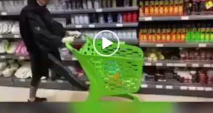 مدیر یک فروشگاه به نام تارا مارکت در بندرعباس که اقدام به راه اندازی یک چالش به نام پا باز کرده بود تحت تعقیب قضایی قرار گرفت