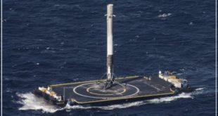 روز گذشته موشک پوستر فالکون ۹۰ بعد از انجام ماموریت و برگشتن از مدار زمین به صورت خودکار بر روی کشتی بدون سرنشین بر روی آب فرود آمد