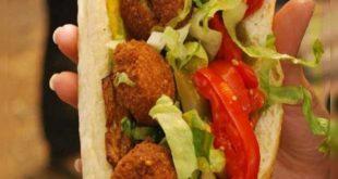 یکی از غذاهای محبوب به ایرانیان که بسیار لذیذ و خوشمزه می باشد و به عنوان یکی از سالم ترین فست فوت ها شناخته می شود