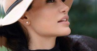 رامانا سیاحی بازیگر و مدل ایرانی است که به علت شباهت بسیار زیادش به بازیگر هالیوودی معروف آنجلینا جولی در ایران به عنوان بدل آنجلینا جولی شناخته می شود