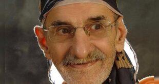 احمد پورمخبر بازیگر سینما و تلویزیون که فعالیت هنری خود را در سن ۶۵ سالگی آغاز کرد و توانست با حضور در سریال های رضا عطاران با درخشش خود در زمینه بازیگری طرفداران بسیاری را به دست آورد،او در سن ۸۰ سالگی بر اثر عارضه قلبی درگذشت