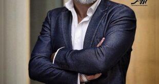 امیر آقایی بازیگر،هنرپیشه،عکاس و نویسنده مشهور ایرانی است که حضور او در فیلم شنای پروانه توانست تصویری ماندگار از او در سینما و تلویزیون ایران به یادگار بگذارد و همچنین برنده سیمرغ بلورین جشنواره فجر گردید