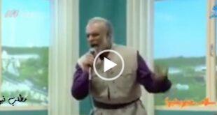 در یک اتفاق کم سابقه در یک برنامه تلویزیونی که از شبکه سوم سیما پخش شد با حضور یک خواننده کرد مجری و مهمانان برنامه رقص دسته جمعی پرداختند