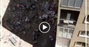 در یک فیلم منتشر شده در فضای مجازی در یک محوطه ساختمانی ماسک های استفاده شده از سطح خیابان و سطلهای زباله جمع آوری شده و توسط عده ای سودجو دوباره بازیافت شده و به چرخه تولید بازگردانده می شوند