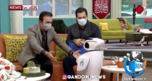 ماجرای حضور یک روبات در برنامه زنده تلویزیونی خبر کلاکت و بغل کردن آن توسط مجری برنامه به یک جنجال طنز تبدیل شد