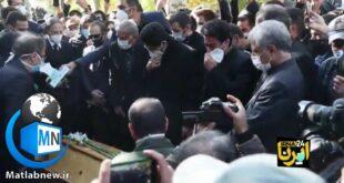 درحین مراسم خاکسپاری همایون شجریان فرزند محمدرضا شجریان ترانه مرغ سحر را بهمراه آواز دسته جمعی افراد حاضر در این مراسم به یاد این استاد گرانمایه اجرا نمود