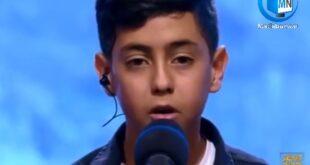 ویدیویی از مجید معظمی خواننده جوان و پر استعداد عصر جدید که توانست با حضور در این مسابقه طرفداران بسیاری را به دست آورد در حین کار و آواز خواندن منتشر شد