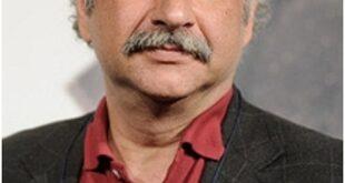 بابک کریمی بازیگر و هنرپیشه سرشناس سینما و تلویزیون ایران است،حضور موفق او در عرصه سینما با دریافت چندین جایزه از جشنواره های داخلی و خارجی همراه بوده است با معرفی این بازیگر خوب کشور همراه ما باشید