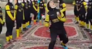 بازدید شهردار تهران از یک مدرسه فوتبال در تهران و هنرنمایی دختران فوتبالیست ( مدرسه فوتبال نیلوفر اردلان ) را ببینید