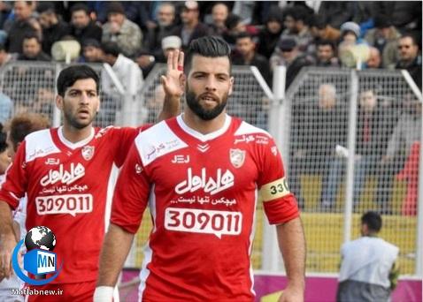 محمد عباس زاده بازیکن جوان تیم تراکتور متولد سال ۱۳۶۹ می باشد در ادامه با بیوگرافی این بازیکنان با ما همراه باشید