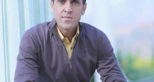 علی کریمی فوتبالیست مشهور ایرانی متولد سال ۱۳۵۷ می باشد در ادامه با بیوگرافی این آموزش کار با ما همراه باشید