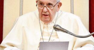 پاپ فرانسیس رهبر کاتولیکهای جهان متولد سال ۱۹۳۶ می باشد در ادامه با بیوگرافی شخصیت مصاحبه با ما همراه باشید
