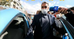 محمود فکری در حالیکه سوار بر ماشین شخصی خودم شد به خبرنگاران گفت؛ استعفا دادم،تمام شد!