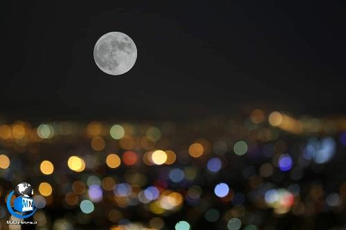 عکس/ تصاویر ابر ماه صورتی در آسمان شب تهران