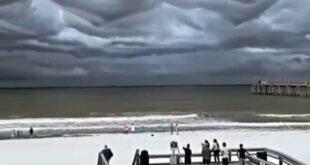 فیلم/ ابرهای عجیب و ترسناک ساحل فلوریدا سوژه عکاسان شد!