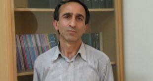 احمد گل محمدی یکی از اساتید برجسته دانشگاهی در رشتهی علوم سیاسی می باشد که چندی پیش بر اثر ابتلا به بیماری کرونا درگذشت در ادامه با بیوگرافی و شرح فعالیت های او با ما همراه باشید