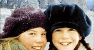 سریال کانادایی امیلی در نیومون در 46 قسمت جذاب و بر اساس رمانی با همین نام و بر پایهٔ داستانی از لوسی ماد مونتگمری در سال 1998 ساخته شد